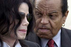 Joe Jackson defends spanking Michael