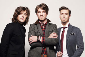 Hanson upset by fan Amy Winehouse's death