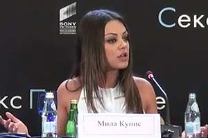 Mila Kunis tells off reporter in Russian