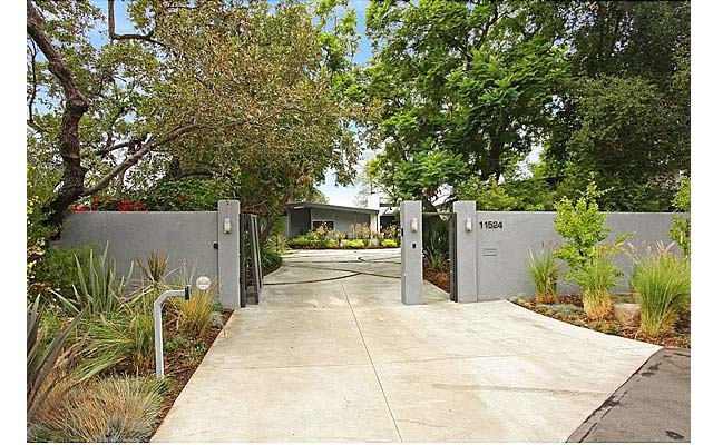 Miley Cyrus has bought a $3.9 million home in LA. It's got five bedrooms, seven  bathrooms, a saltwater pool, spa and gym. 