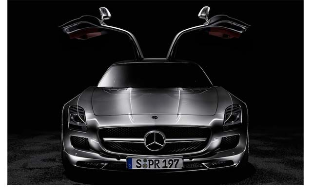 And Twilight star Taylor Lautner bought himself a brand new, silver Mercedes SLS AMG car, complete with the kind of doors that open UP instead of out. It cost him $200 000.