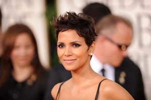 Halle Berry breaks foot in Spain