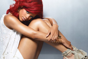 Rihanna goes topless for a video shoot *NSFW*