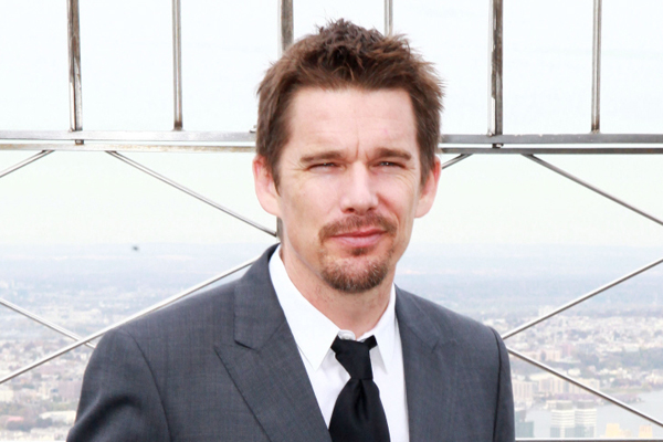 Ethan Hawke praises Adele's body