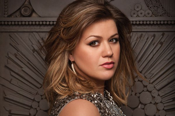 Kelly Clarkson plans to wed boyfriend Brandon Blackstock