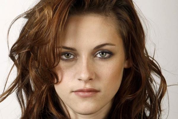 Kristen Stewart fears Twitter will be the death of her