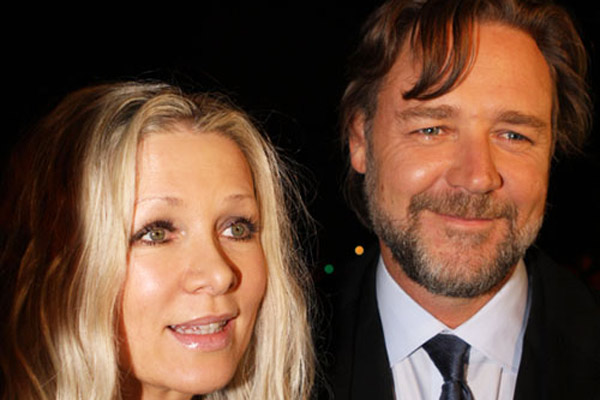 How much is Danielle Spencer getting from her divorce to Russell Crowe?