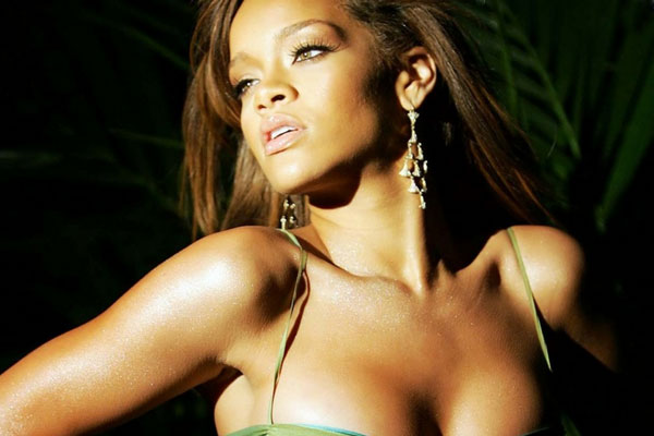 Rihanna the biggest star on Facebook now