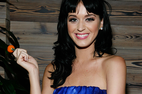 Katy Perry awkwardly avoided Russell Brand