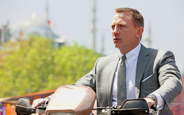 James Bond finally gets his drivers licence
