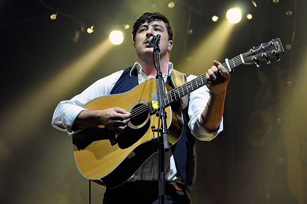 Mumford & Sons live in New Zealand