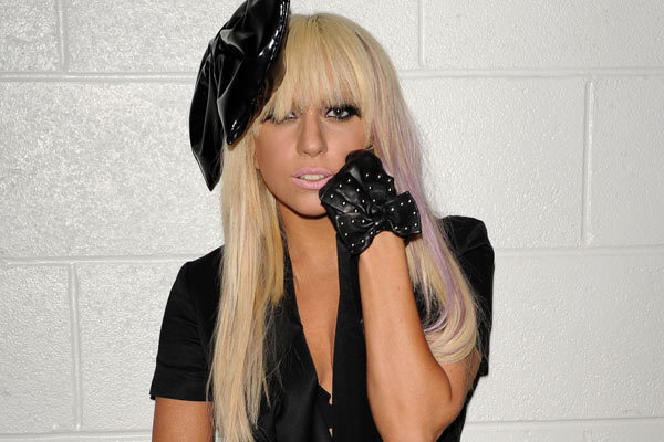 Lady Gaga donates a million bucks