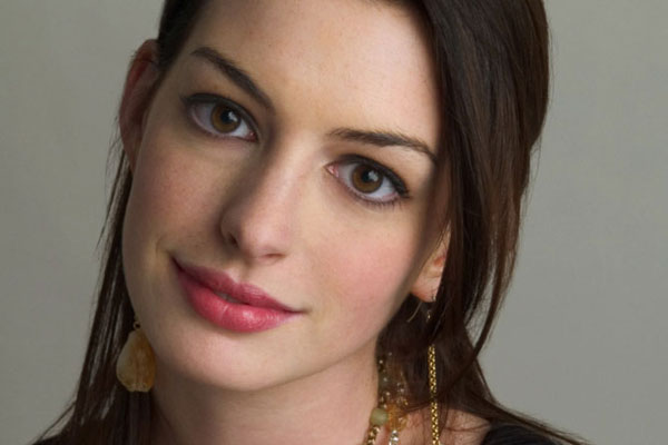 Anne Hathaway refuses to tell how she lost weight for Les Miserables