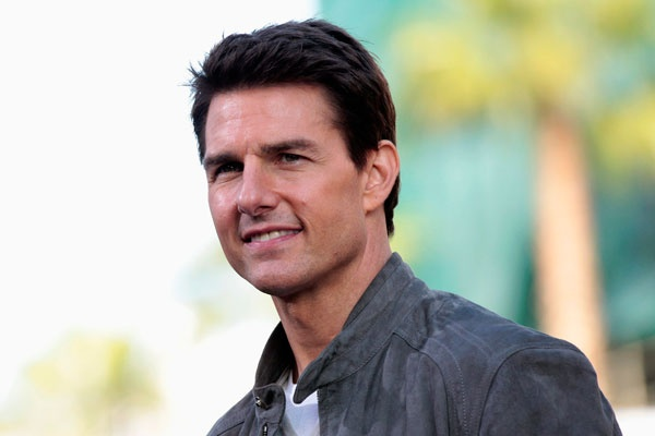 Tom Cruise suffers nasty foot injury
