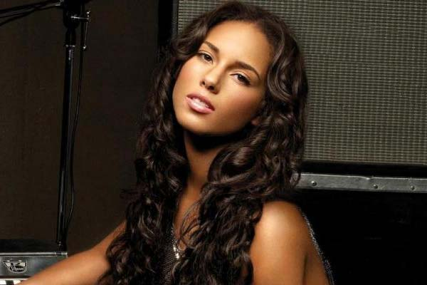 What Alicia Keys has done with her Grammys?