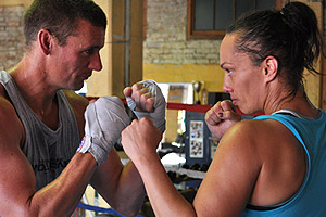 Dom vs NZ's Best Female Boxer Daniella Smith
