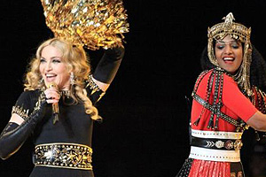 Madonna fuming over M.I.A giving the finger during Superbowl performance