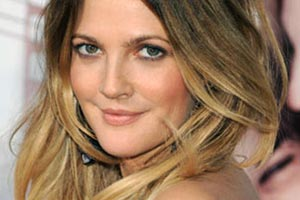 Drew Barrymore sets wedding date