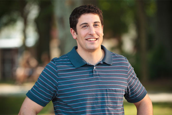 Jason Biggs gets breastfed by his wife