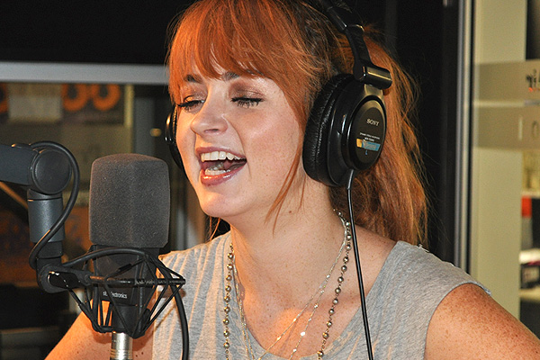 Annabel Fay sings & raps Nicki Minaj's 'Starships' on The Edge
