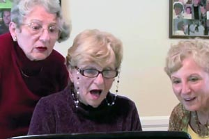 Grandmas watch Kim Kardashian sex tape (NSFW)