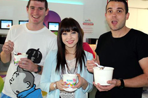 Carly Rae Jepsen and Brad & Marty get their ice cream on
