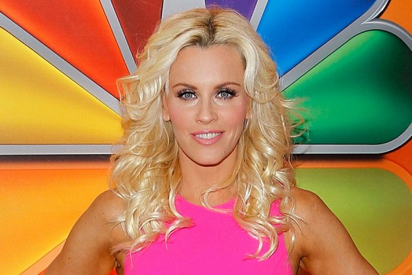 Jenny McCarthy accidently sends naked pic of herself to her dentist