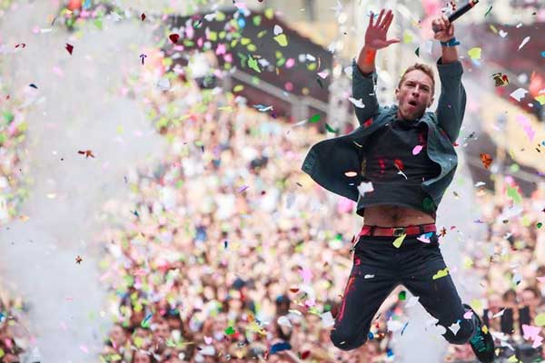 What do Coldplay spend $640,000 a night on for their shows?