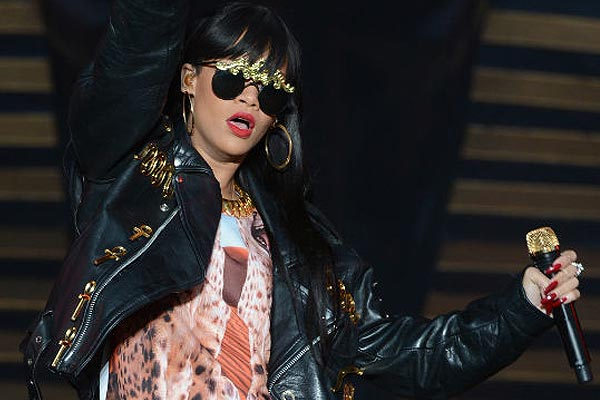 Rihanna's bodyguard lashes out at photographer