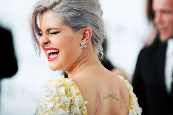 Kelly Osbourne hangs up on her Mum live on TV