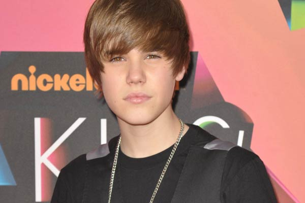 Justin Bieber gets accosted in Australia