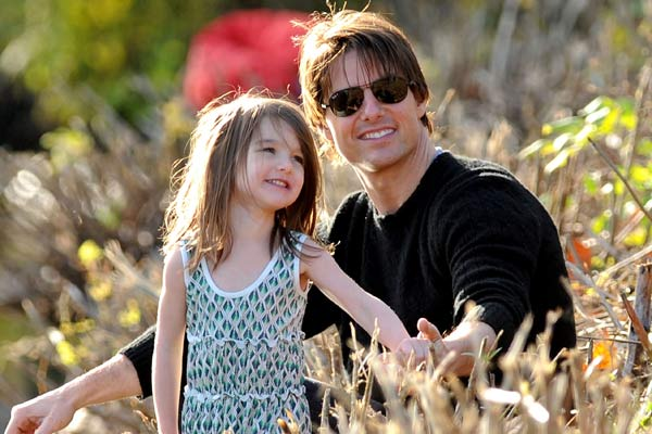 Tom Cruise reunites with daughter Suri