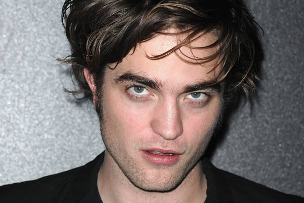 Robert Pattinson's mum duped by tabloids