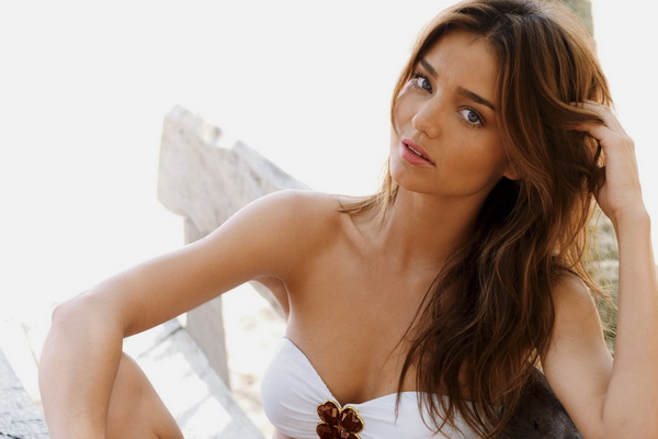 Miranda Kerr replies to rumours that her marriage is over
