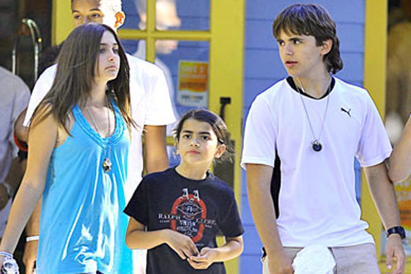 Michael Jackson's kids to get a new guardian
