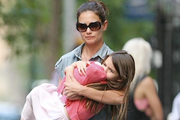 Katie Holmes scared she'll get kidnapped by Scientologists