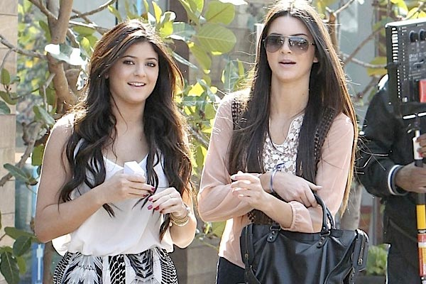 The Kardashian teen sisters to become authors