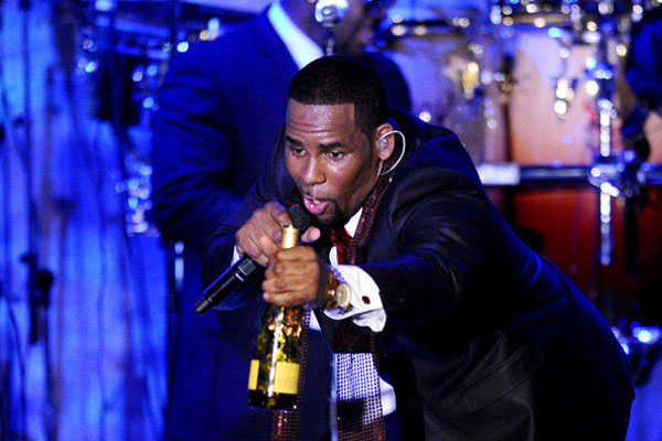 R Kelly blames Ryan Gosling for his divorce
