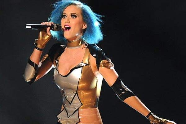 Katy Perry breaks record with ninth #1 single