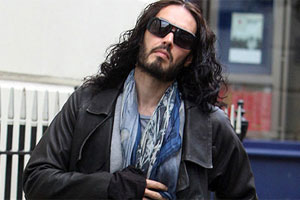 Russell Brand gets medical advice from David Beckham