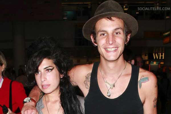 Amy Winehouse's ex to be a dad again