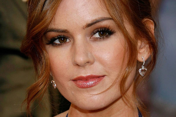 Isla Fisher threw her Mum a hens party that got out of control