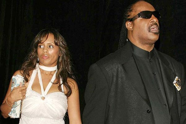 Stevie Wonder divorcing