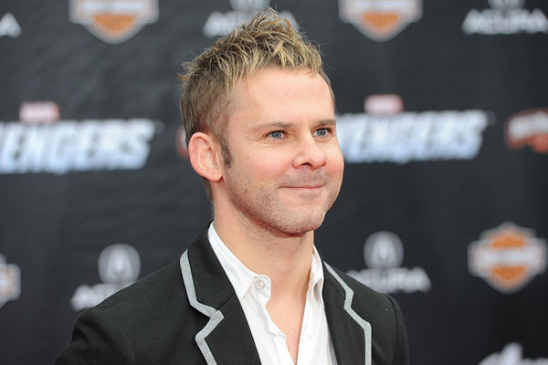 Dominic Monaghan invites fans to dinner at his place
