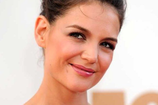 Katie Holmes gets another sly dig in at Tom Cruise