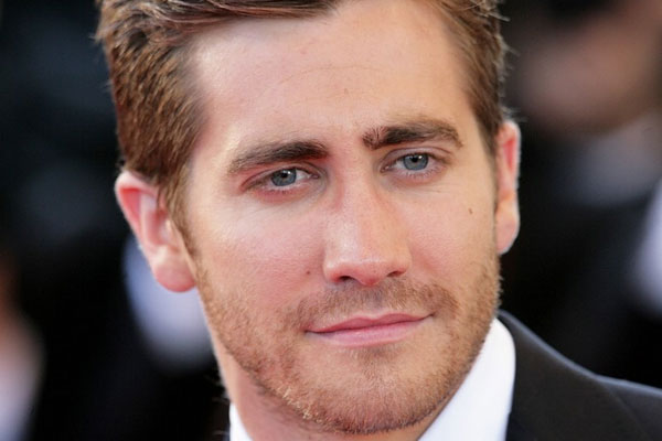 Jake Gyllenhaal witnesses a murder to prepare for movie role