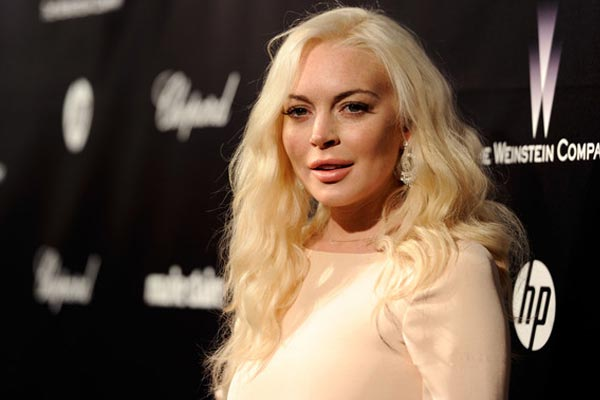 Lindsay Lohan accused of stealing Liz Taylor bracelet