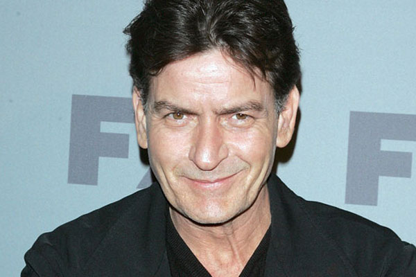 Charlie Sheen donates to a dead paparazzo's family