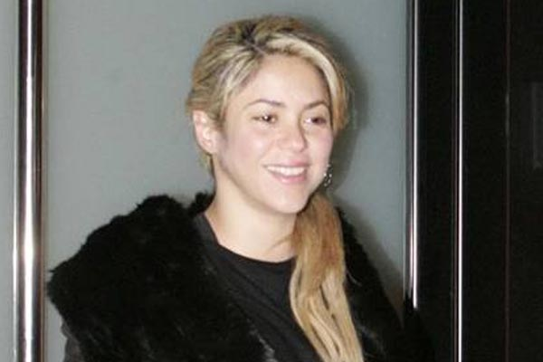 Shakira is a mummy