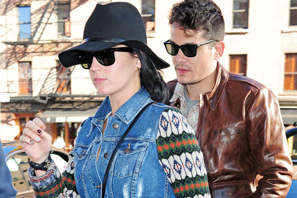 Katy Perry & John Mayer are moving in together!
